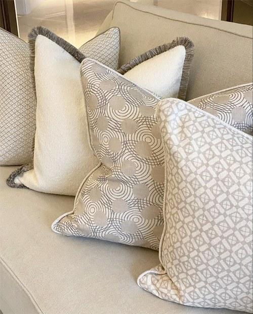 Cushions String